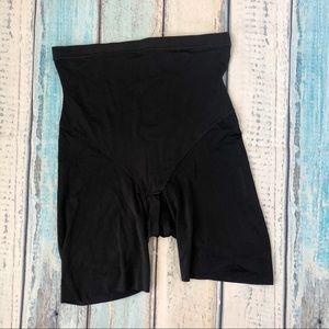 Flexees shaping shorts